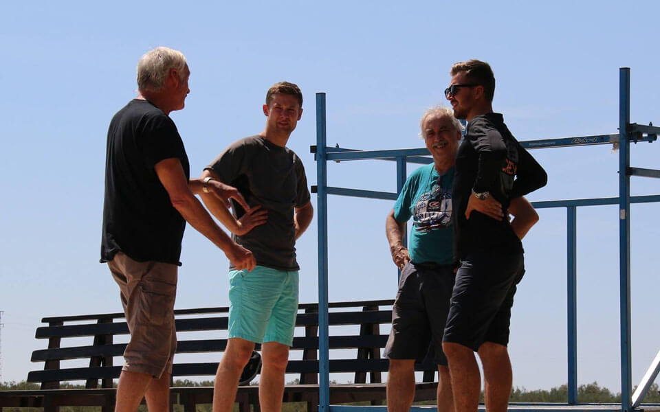 Scotty Milne instructing his students in the sunshine at Skydive Spain.